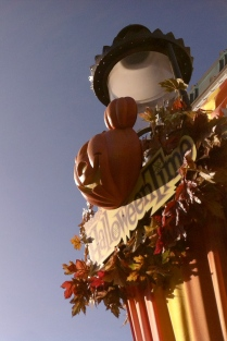 Disneyland Halloween Decoration, Main Street Lamp Post