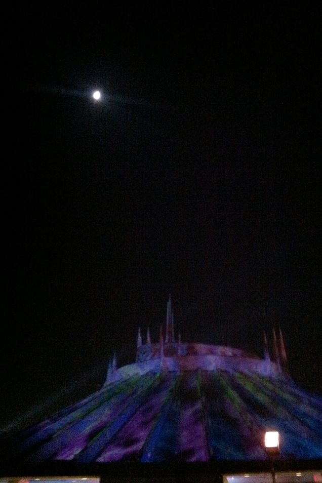 Space Mountain Halloween during alien attack