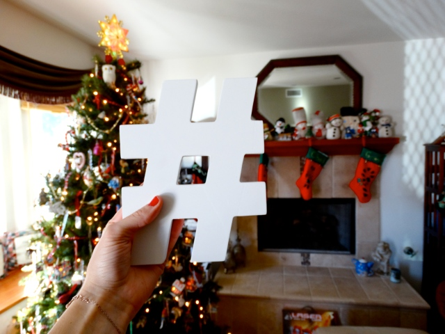 hashtag christmas | itsaLisa.com