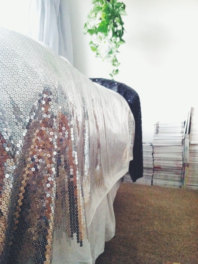 A Sequin Bed | itsaLisa.com