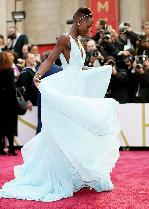 Pantone Color of the Year 2016: Serenity | Who would have thought Lupita was a style forecaster | Light Blue Inspiration: Lupita's Oscar Gown | itsaLisa.com