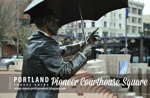Pioneer Courthouse Square, Portland Umbrella Man | itsaLisa.com