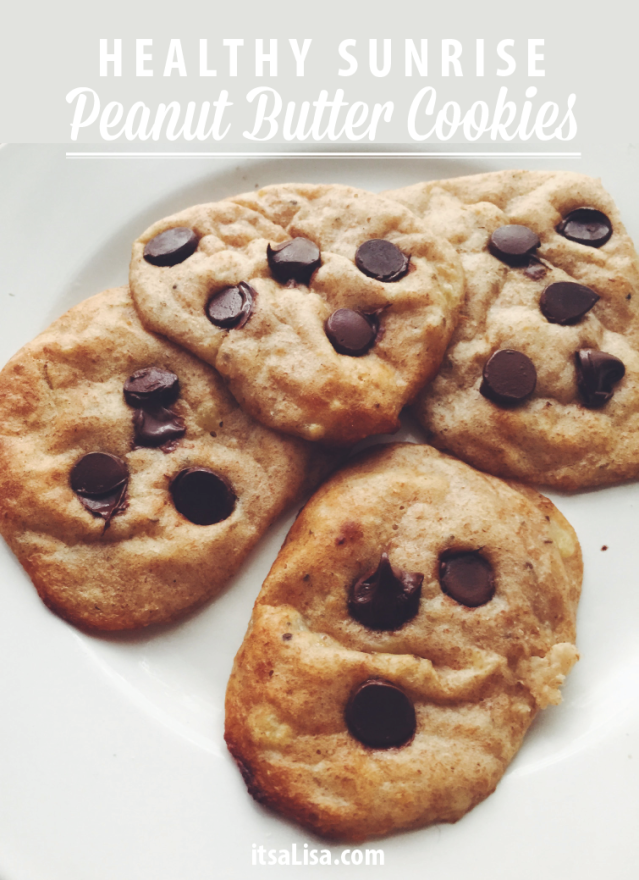 Flourless Peanut Butter Cookies -  Great recipe to make for Breakfast | Find it here: https://itsalisa.com/2015/08/09/flourless-peanut-butter-cookies-recipe/