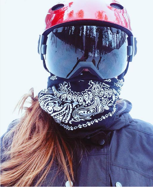 Black bandana with snow goggles | 7 Cute Snow Goggle Outfits & Where To Buy Them