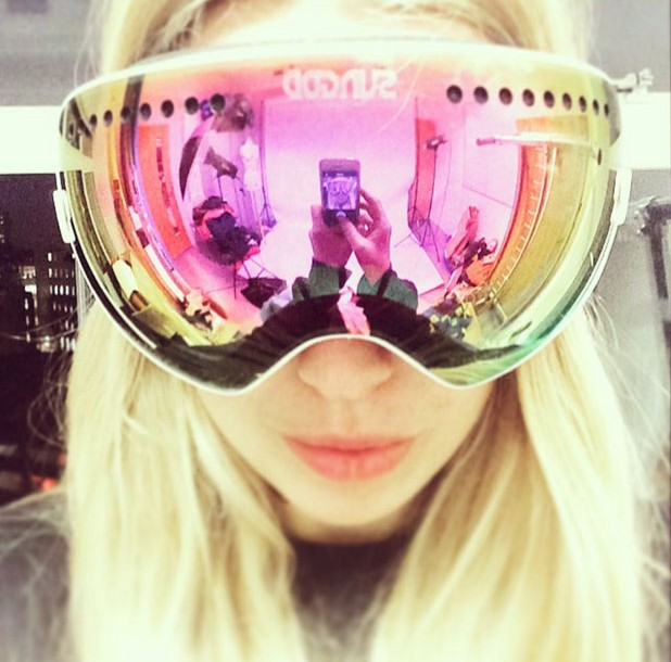 Cute Pink Snow Goggles For Women | 7 Cute Snow Goggle Outfits & Where To Buy Them