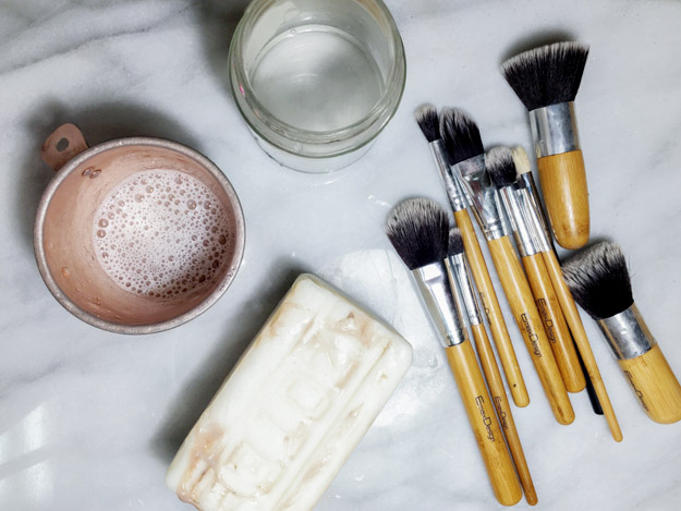 How to wash makeup brushes at home